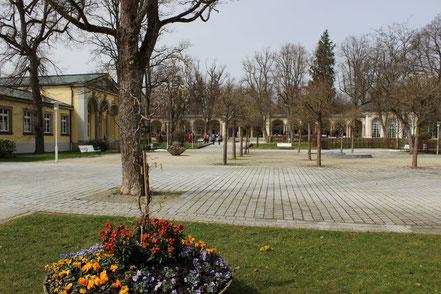 Klenzebau und im Hintergrund die Wandelhalle