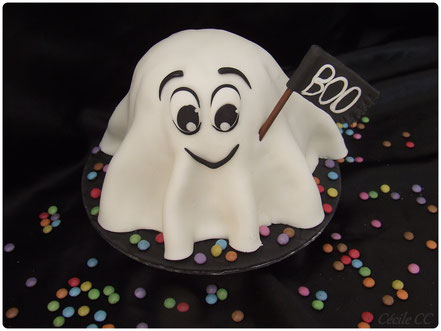 Tutoriel pour décorer un gâteau 3D en forme de fantôme, Mô le fantôme, pâte à sucre, Cake Design,boutique en ligne cake design et pâtisserie