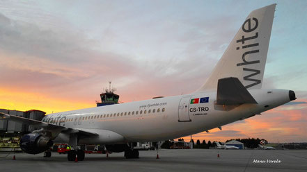 A320 White LCG LECO