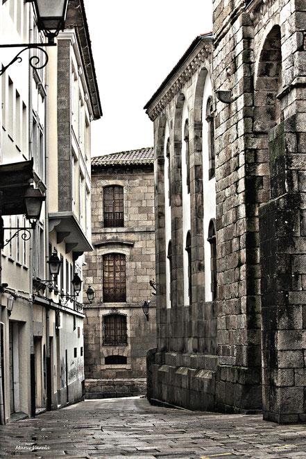 Ciudad vieja coruñesa - al fondo, Casa de los Franco