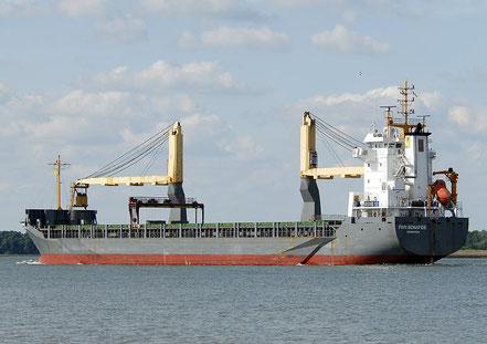 El vaixell de carga general FWN Bonafide, de bandera holandesa, procedent de Alacan. 02.09.17.