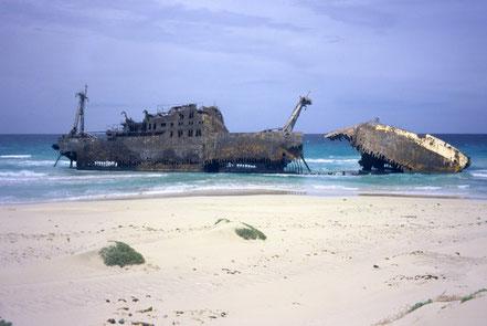 Cabo de Santa Maria és un vaixell de càrrega que va naufragar el 1968 a l'illa de Boa Vista, Cap Verd.