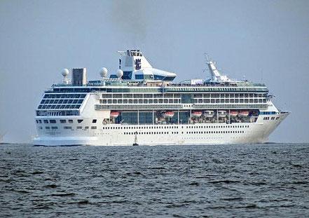 El vaixell de creueristes Splendour of the Seas, contractat per TUI Discovery amb bandera de Malta procedent de Marina di Carrara i Niça, Itàlia, 05.08.16, 14.10.16, i 21.10.16.