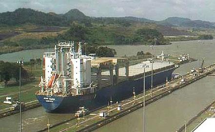 El vaixell Star Hansa de carga general, procedent de Gibraltar i Rio Grande Brasil de bandera Noruega. 26.05.16.