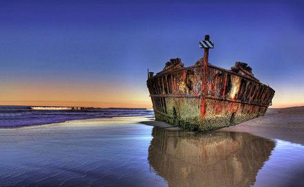 Nau abandonada a la costa d'Austràlia.