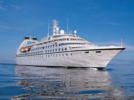 El vaixell de creueristes Star Breeze amb bandera de Les Bahamas 19.07.17.