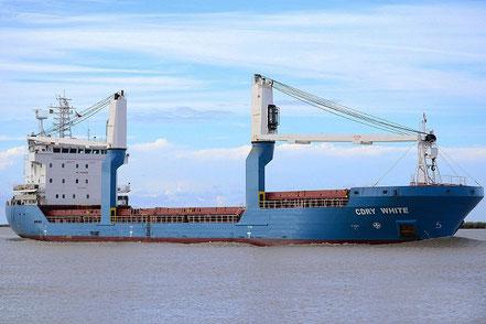 El vaixell de càrrega general Cdry White, de bandera italiana, procedent de Genova, Italia. 11.02.17.