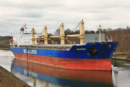 El vaixell de càrrega general Mariana, de bandera del Regne Unit, procedent de Sta Cruz de Tenerife, Illes Canaries. 09.01.17.