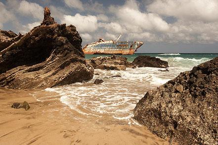 En 2014 es compleixen 20 anys des que el vent i el corrent arrosseguessin l'elegant vaixell nord-americà American Star Fins a la platja de Garcey.