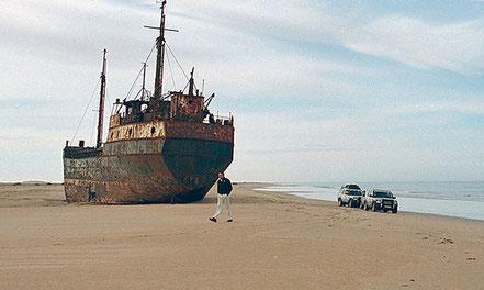 Vaixell encallat a la platja Laden, entre Tarfaya i el Marsa, el Marroc.