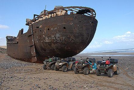Vaixell embarrancat prop de Sidi Ouarsik, Souss-Massa-Drâa, Marroc.