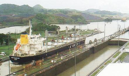 El vaixell de gra Cielo di Capalbio, de bandera de Liberia, procedent de Gibraltar. 02.09.17.