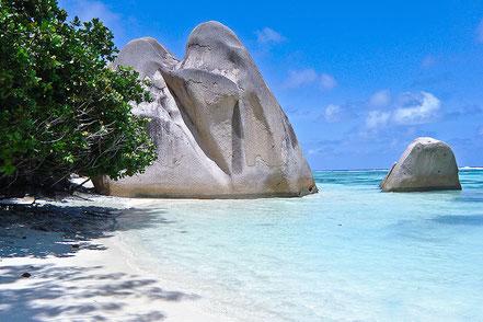 Cala Anse Source D'Argent, a La Digue, una illa de l'arxipèlag de les Seychelles.
