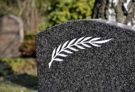Grabstein für eine Erdbestattung