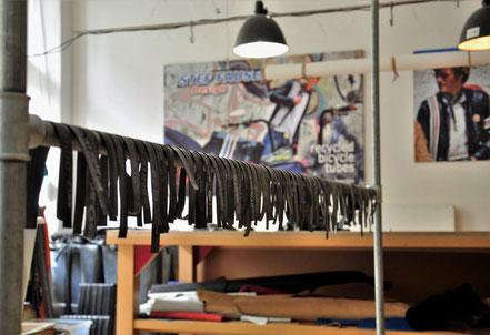 Im Atelier Stef Fauser wird nach neuen Möglichkeiten der Schlauchtrocknung gesucht