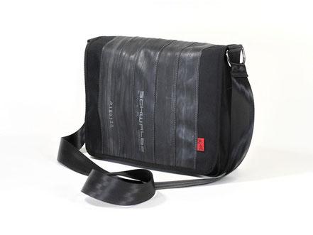 Umhängetasche Berleng schwarz aus Fahrradschlauch und Cordura von Stef Fauser Design