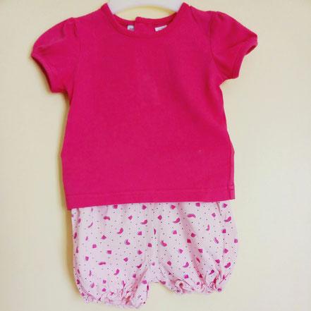 vetement occasion bébé fille. Short et t-shirt rose motif pastèque bébé fille 6 mois