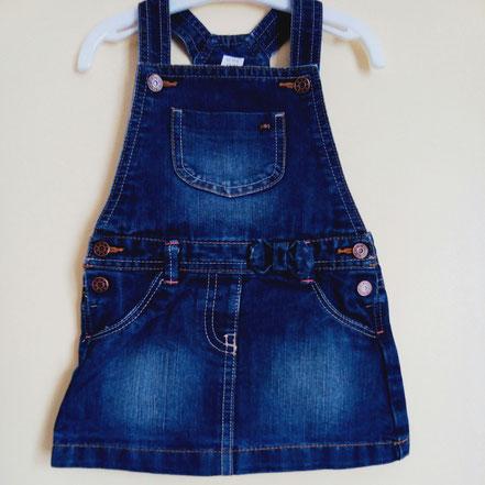vetement d'occasion bébé. Robe-salopette jean bleu fille 12 mois