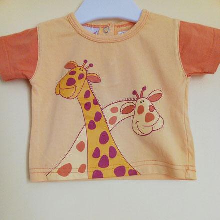 vetement occasion bébé. T-shirt orange motif girafe à manches courtes 3 mois