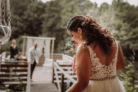 Brautkleid Hochzeitsanzug Standesamt Hochzeitsfotograf Brautstylistin Brautstrauss Brautfrisur Brautmakeup Oldenburg Brautschmuck Hochzeitslocation