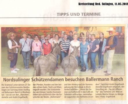 Hahn im Korb: André Engelhardt und die Damenschschießgruppe aus Nord-Sulingen (Bericht: Kreiszeitung Red. Sulingen)