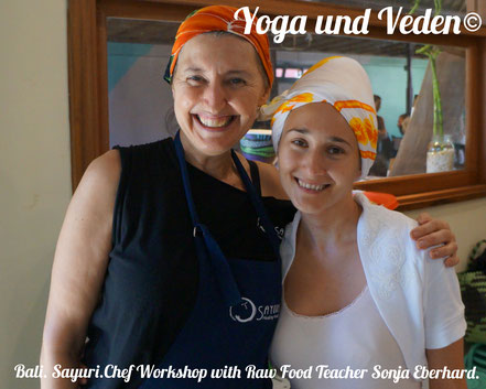Workshop with raw food teacher & chef of Sayuri. Bali