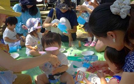幼児教室バンビーニクレアーレの野外活動で、京都御苑でぞうさんじょうごを作りました。