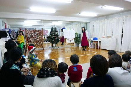 12月に開催した幼児教室のリトミックでクリスマスソングをみんなで歌いました。
