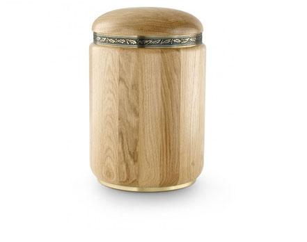 Holzurne mit Eichenlaub Dekor und Verzierung