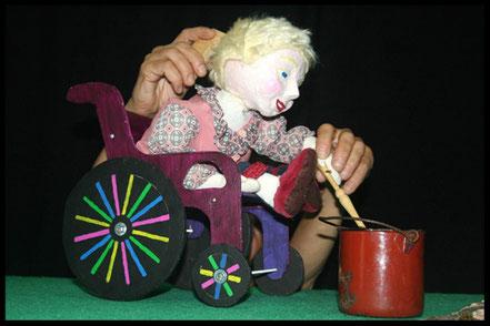 spectacle de marionnettes Colette prepare de la compote