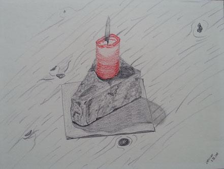 Stillleben, Kerze, Granitblock, Serviette, Holzplatte, Bleistiftzeichnung, Buntstift, Christian Niklis