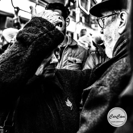 Paris, metro, subway, art, travel, love, amour, noir et blanc, black and white, street photography, carcam, je shoote