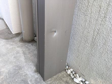 カーポート柱の傷補修、お家のキズ補修・住宅建材リペア なら箕面市のイエリペア!フローリングのキズや床のシミ補修、アルミサッシ、樹脂サッシ、アルミてすり、門扉、玄関ドア、石材