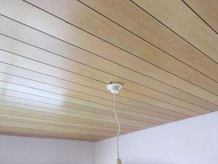 天井板の傷補修、お家のキズ補修・住宅建材リペア なら箕面市のイエリペア!フローリングのキズや床のシミ補修、アルミサッシ、樹脂サッシ、アルミてすり、門扉、玄関ドア、石材