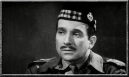 Alistair Gordon Lethbridge-Stewart in der Uniform der Scots Guard