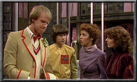 Der fünfte Doctor, Adric, Tegan und Nyssa