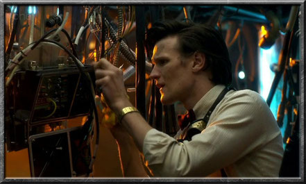Der Doctor bastelt an der TARDIS