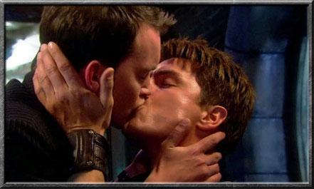 Zwischen Jack und Ianto entwickelt sich eine Liebesbeziehung