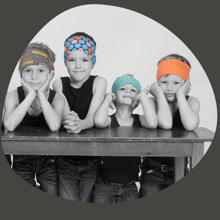 Meitli und Buebe wollen witzige Stirnbänder. Chappunzel hat sie neu erfunden. Die trendige Bekleidungslinie aus Luzern in der Schweiz.