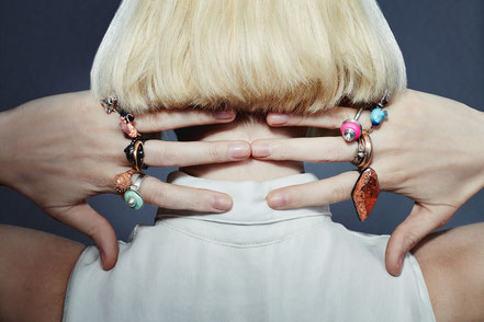 colorful rings in various styles and materials - Atelier STOSSIMHIMMEL