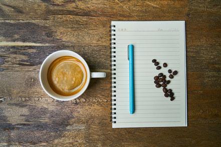 Kop koffie in vogelperspectief