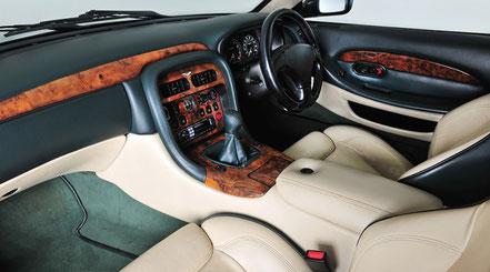 Aston Martin DB7 intérieur