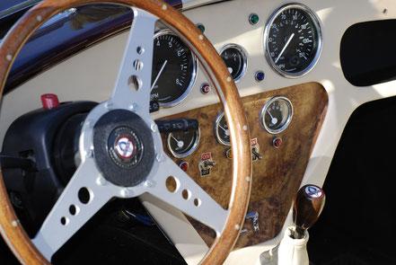 le vrai co t d utilisation d une voiture plaisir classic auto invest. Black Bedroom Furniture Sets. Home Design Ideas
