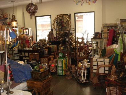 Interior tienda El Laberinto 2