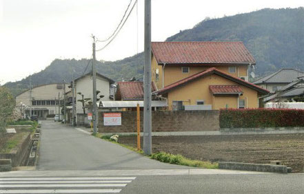 背景の山は福山です。登山の足慣らしに人気です。
