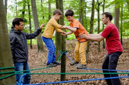 Buschabenteuer - Erlebnispädagogik - Kooperationsspiele