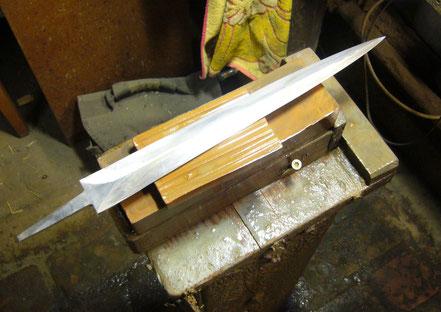 Der Berggeist Japanischer Wasserstein Schwert schärfen