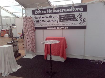 Der Aufbau des Messestandes in Paderborn auf der Paderbau