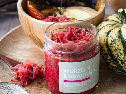Wurzelgemüse-Kraut-Mix sauer macht glücklich | fermentierte Lebensmittel - von Hand hergestellt und nach Hause geliefert. Vegan. Roh. Glutenfrei. Natürlich. Gesund. Lecker.