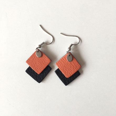 BOs orange et noir. Dimensions des pendents : 3cm.  Réf : CUIR1904#1.  PRIX : 13€